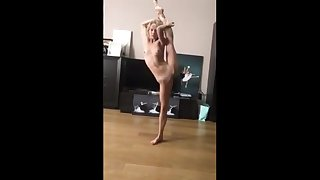 Great sensual ballet wide of down in the mouth Flexible Ballerina