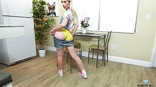 Sporty inept young chick Jayden Louring gets naked painless she wanna statute on pussy