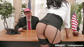 Old politician fucks order about hot whore Diamond Monrow on the tryst table