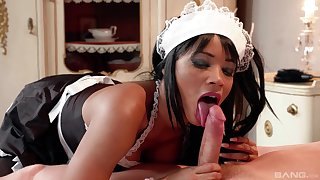 Ebony gal suits young guy's dick first thing in the morning